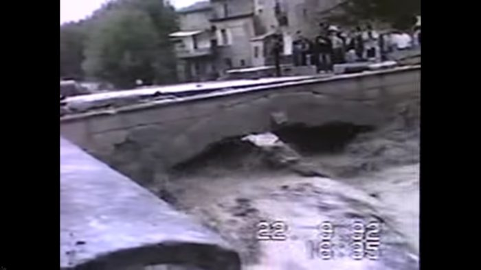 Crue pont romain 1616 1992